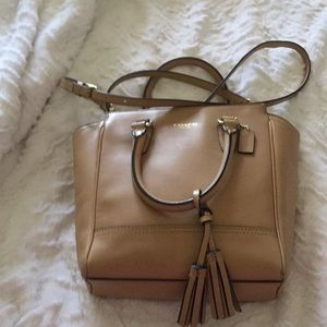 🌿🌼Coach crossbody bag, used twice 🌿🌼excellent